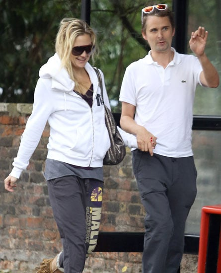 Kate Hudson and Matthew Bellamy chatted while taking a walk in London.