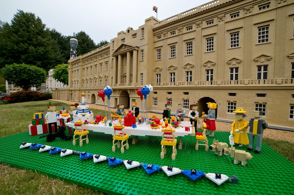 BUILD: Get inspired by this Lego model of a birthday party for Prince George.