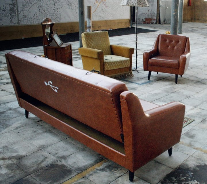 How cool! These USB sofas from designed by Torke+CC come with extension cables so you can plug 'em into a computer USB port for a special experience. At the moment, the sofas are looking for a temporary adoption, so inquire away. Source: Facebook user Cabracega - Experience Design Studio