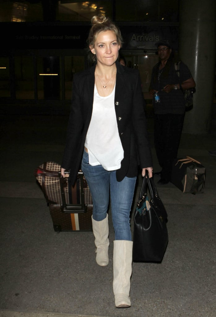 """Kate Hudson Ditches """"Fussy Makeup"""" For a Low-Key Trip Home"""