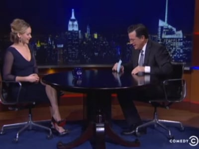 """Jennifer Lawrence Got The Giggles On """"The Colbert Report"""" Last Night"""
