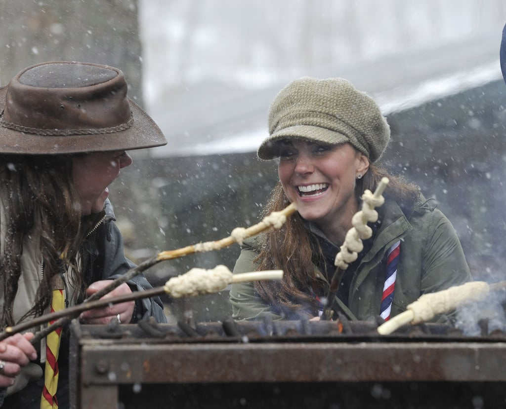 Kate showed off her camping skills when she attended a volunteer training day for the Scouts in Cumbria, England, in March 2013.