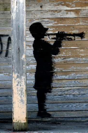 Speed Read! Banksy Engages in a Graffiti Art War