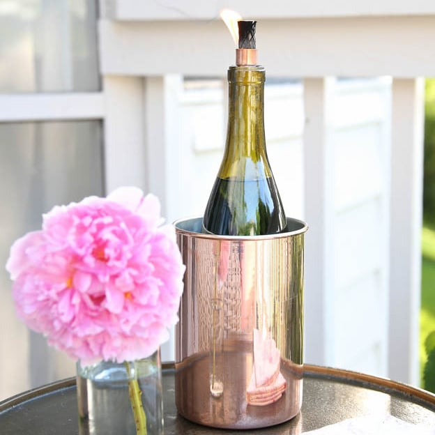 Decorate A Bottle: Old Wine Bottle Decorating Ideas