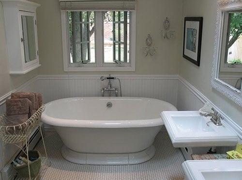 Su Casa: A Classic But Cutting-Edge Bathroom