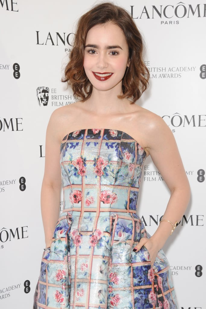 Lily Collins will star in How to Be Single, a comedy to be produced by Drew Barrymore. Collins will play a young New Yorker searching for love.