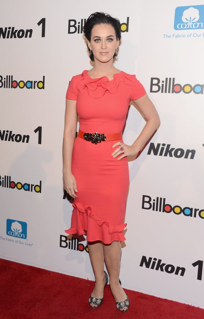 Katy Perry looked stunning in a bright red dress.