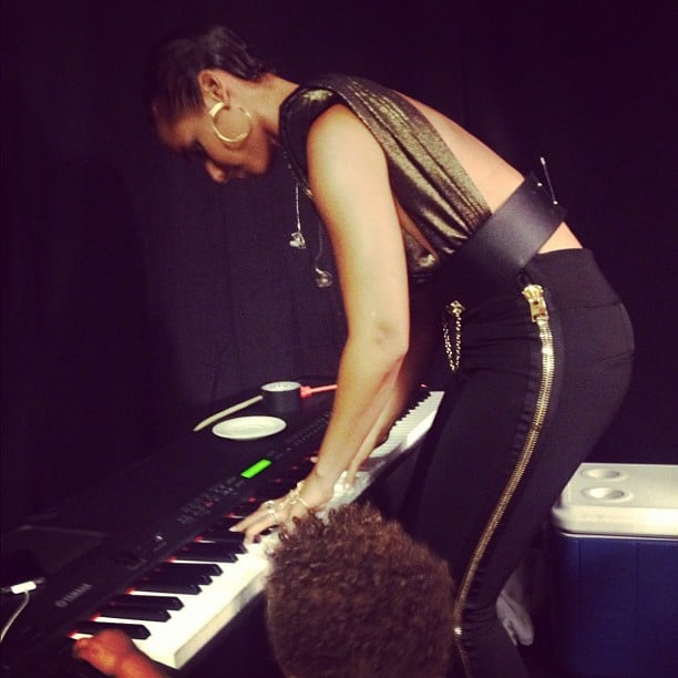 Alicia Keys took her place behind the piano.  Source: Instagram user aliciakeys
