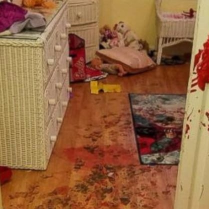 Toddlers Ruin House With Paint When Left Alone For 7 Minutes