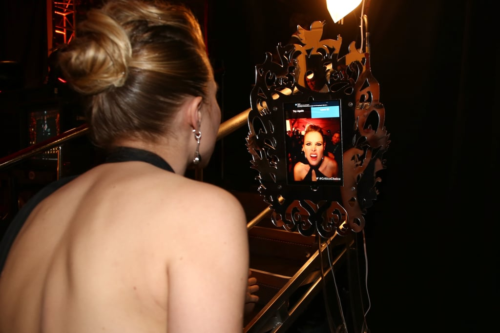 Kristen Bell snapped a selfie backstage at the Critics' Choice Awards.