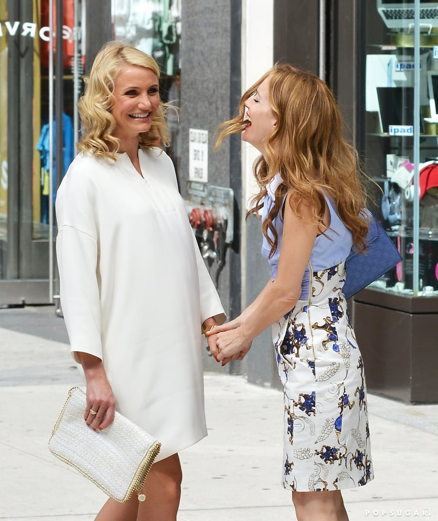 Cameron Diaz and Leslie Mann joked around on set.