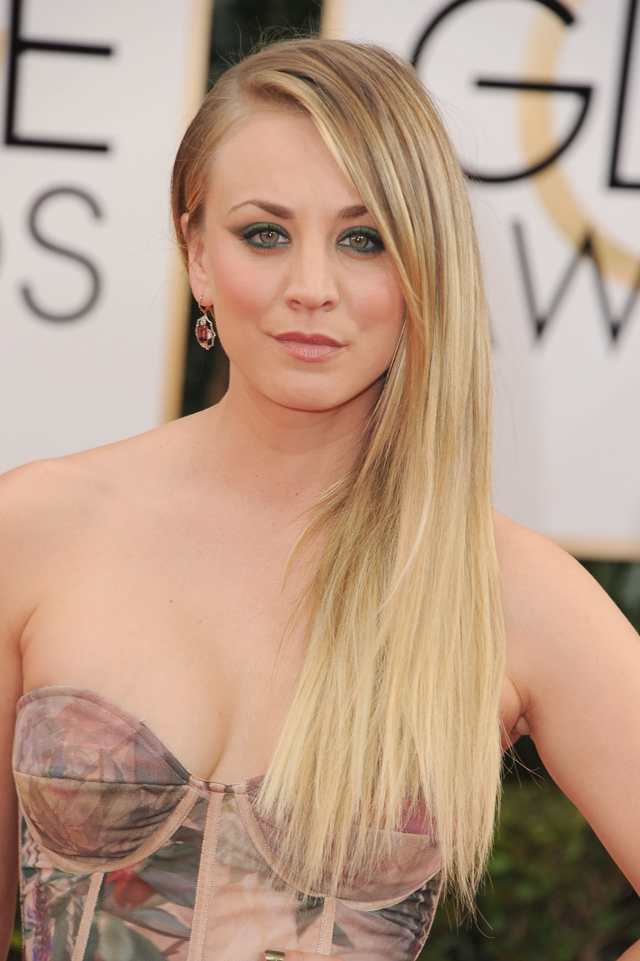 Kaley Cuoco Held Her Own at the Golden Globes