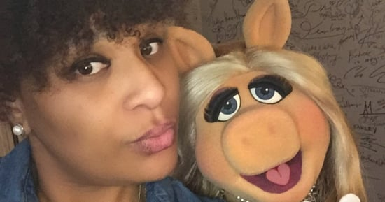 Miss Piggy Schools Us On The Art Of Taking Selfies (And Just About Everything Else)