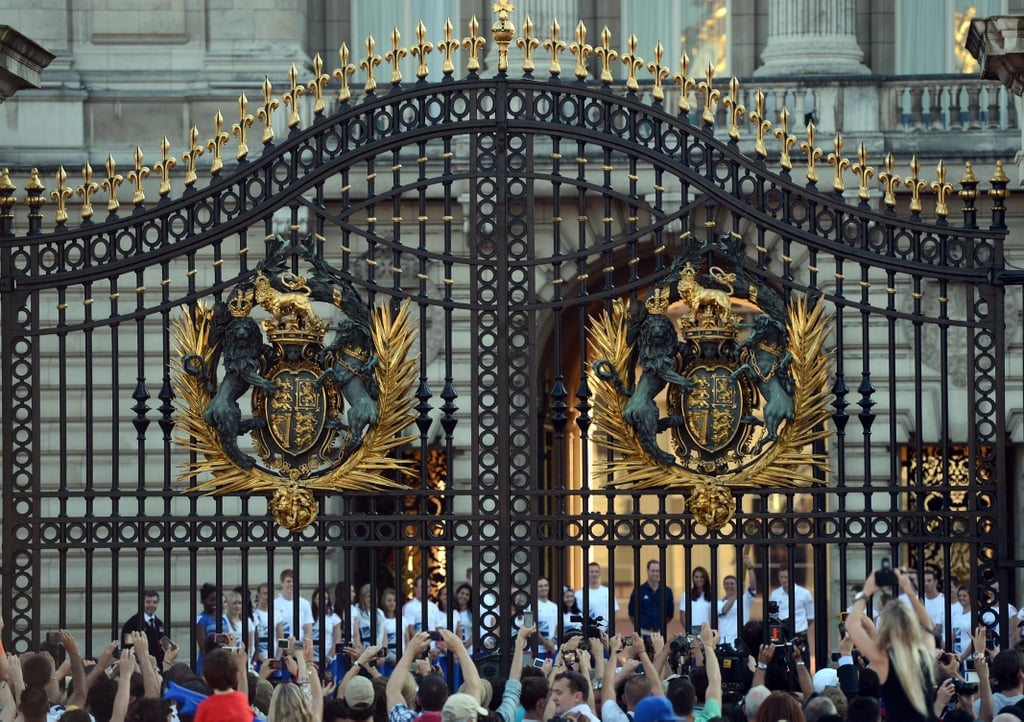 When you visit London, Buckingham Palace and Kensington Palace are your only must dos.