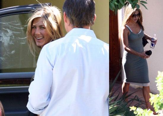 Photos of Jennifer Aniston in LA 2008-10-08 15:30:42