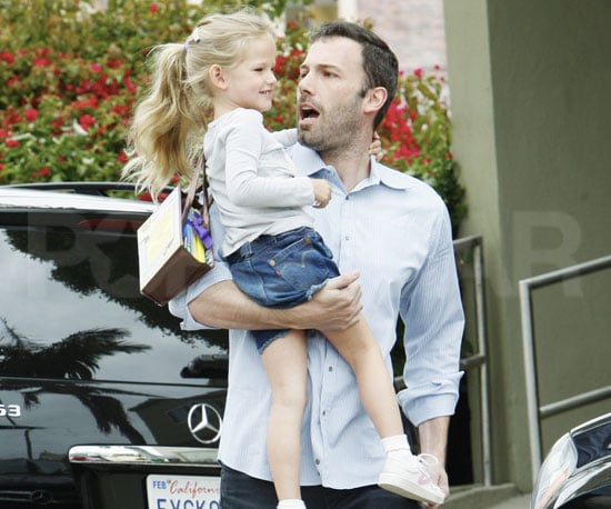 Slide Picture of Ben and Violet Affleck in LA 2010-06-13 14:00:00