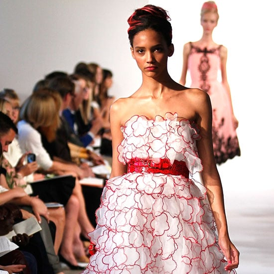 Pictures and Review of Oscar de la Renta Spring Summer New York Fashion Week Runway Show
