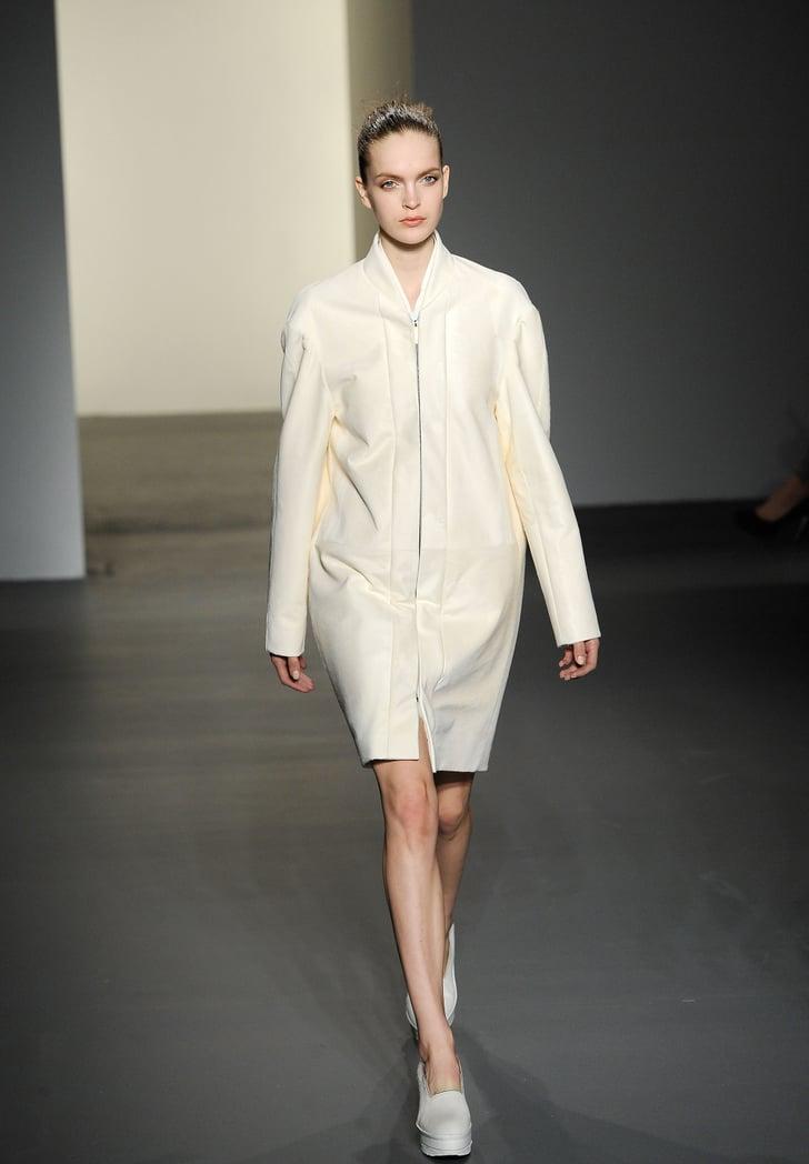 Fall 2011 New York Fashion Week: Calvin Klein Collection 2011-02-17 17:01:39