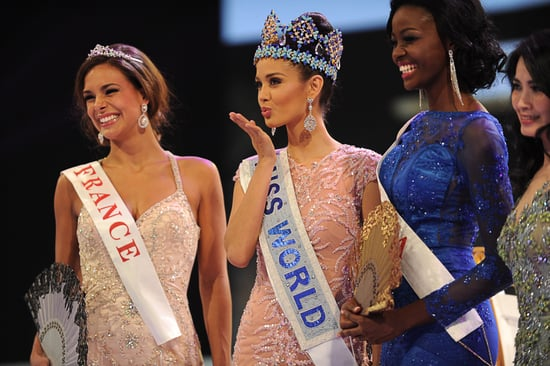 Miss-World-2013-blew-kiss-crowd