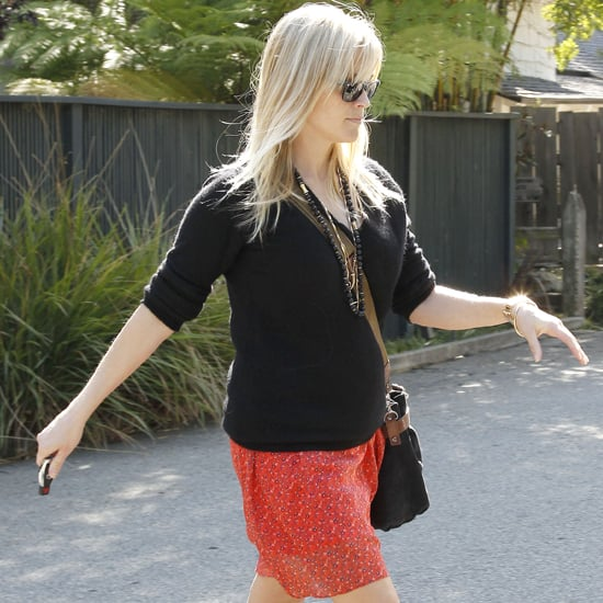 Pregnant Reese Witherspoon in LA Video