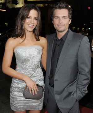 Photo of Kate Beckinsale Wearing J. Mendel Dress With Gray Clutch at 2009 AFI Fest in LA