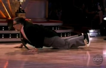 Steve Wozniak Does the Worm on the Dancing With the Stars Finale