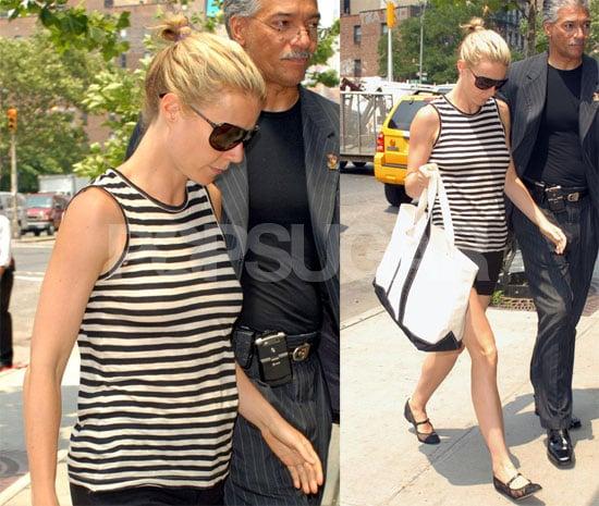 Photos of Gwyneth Paltrow in NYC 2008-07-08 17:00:31