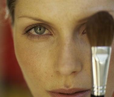 Put Blush Over Your Eye Makeup to Make Eyes Pop