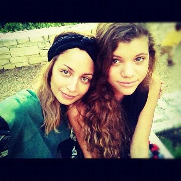Nicole Richie said she was thankful for her little sister this Thanksgiving — how sweet! Source: Instagram user nicolerichie