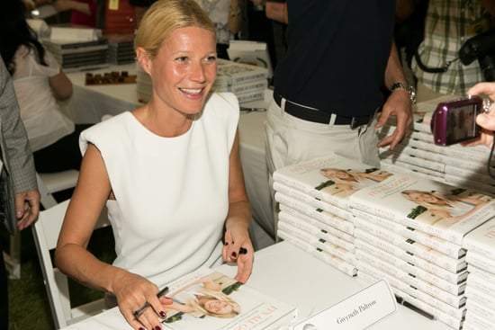 Gwyneth-Paltrow-signed-copies-her-book
