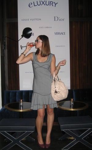 eLUXURY and Fab Play Dress Up: Posing in Posen
