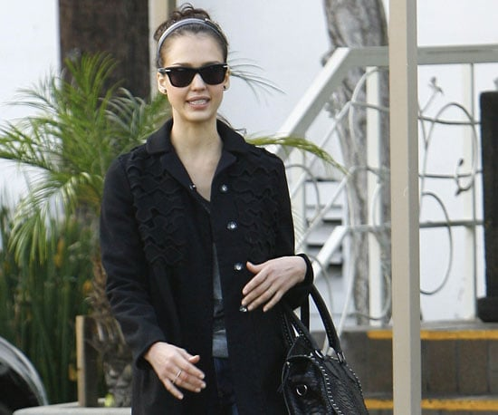 Slide Photo of Jessica Alba in Beverly Hills 2009-12-16 14:45:03
