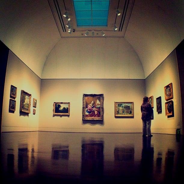 Tour an Art Gallery