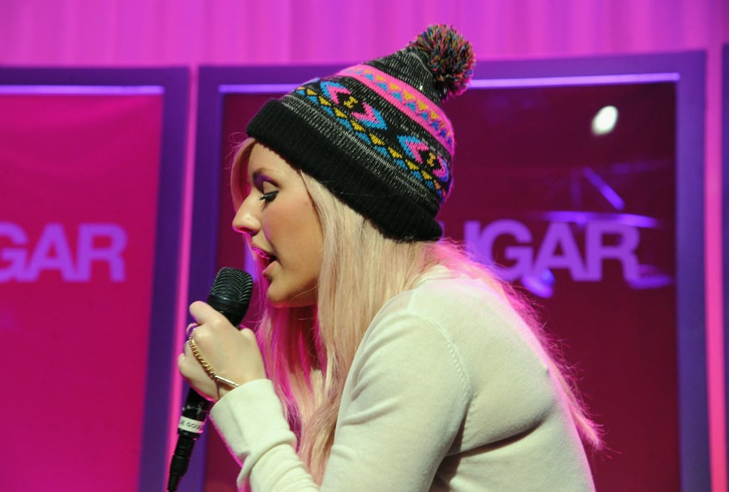 Ellie Goulding performed live for an appreciative crowd.