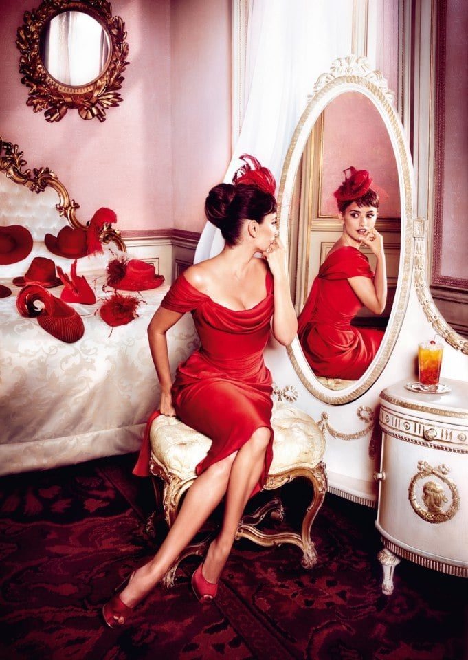 Penélope Cruz acted out the superstition of putting hats on the bed.