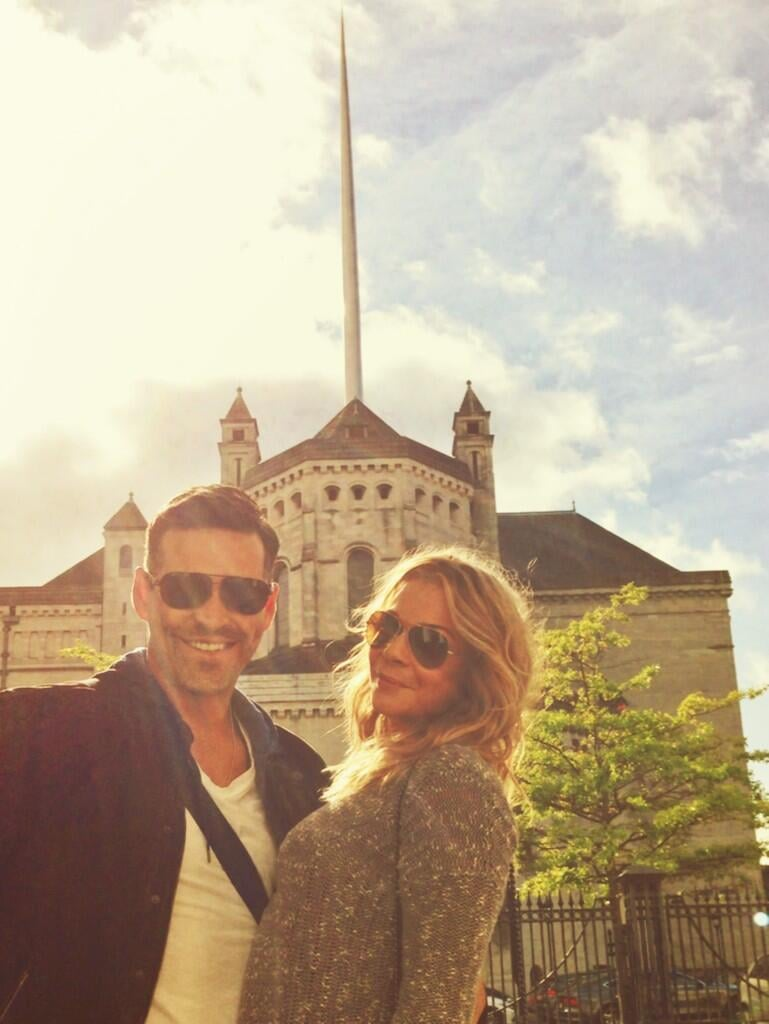 LeAnn Rimes and Eddie Cibrian did some sightseeing during a trip to Belfast. Source: Twitter user leannrimes