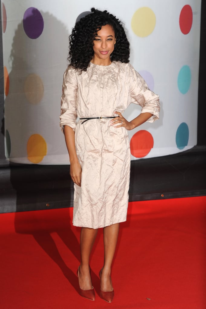 Corinne Bailey Rae chose a neutral look for the show.
