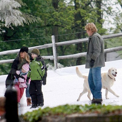 Jennifer Aniston and Owen Wilson on the Set of Marley and Me
