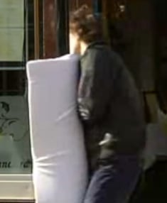 Padded Lamp Posts Tested in London to Prevent Cell Phone Texting Injuries
