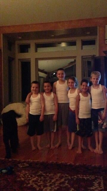 Jenny McCarthy played babysitter to a host of similarly dressed boys this week. Source: Twitter user JennyMcCarthy