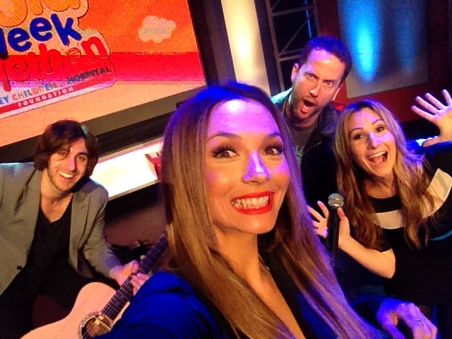 """Ricki-Lee Coulter before singing """"Raining Diamonds"""" on the Gold Week Telethon. Source: Twitter user TheRickiLee"""