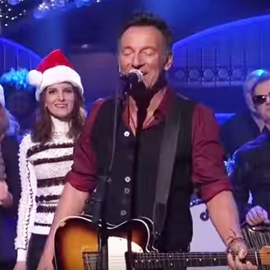 "Bruce Springsteen Sings ""Santa Claus Is Comin' to Town"" SNL"