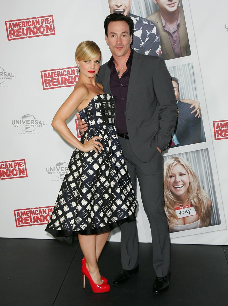 Mena Suvari and Chris Klein
