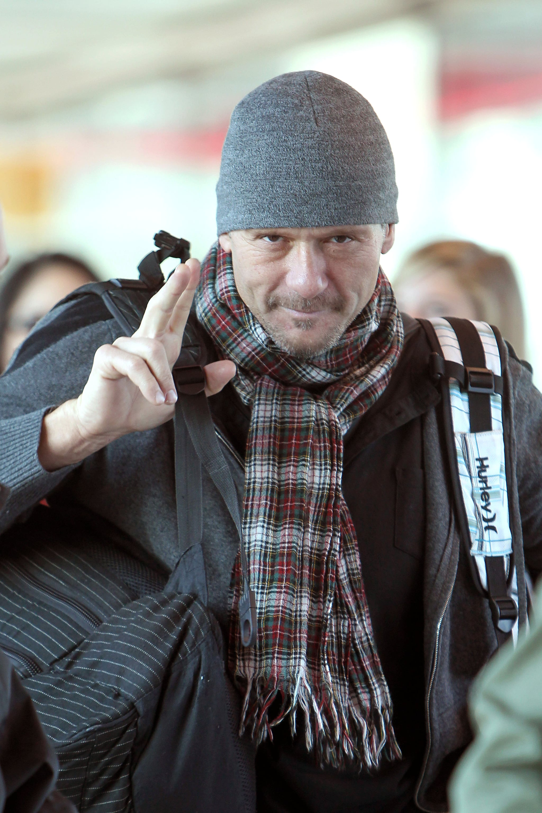 Tim McGraw threw a peace sign up in London on Thursday.