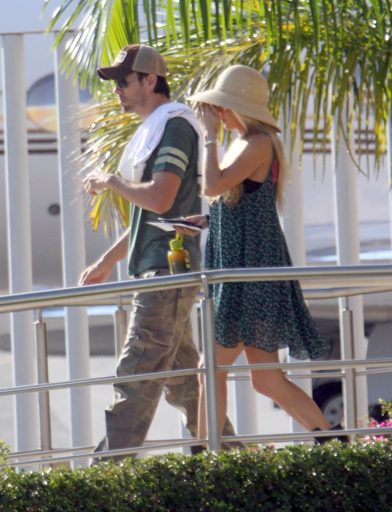 Enrique Iglesias and Anna Kournikova stuck together after arriving in Cabo.
