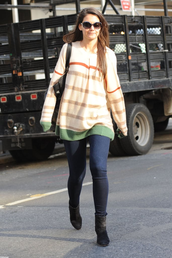 Katie Holmes lef the subway in NYC.