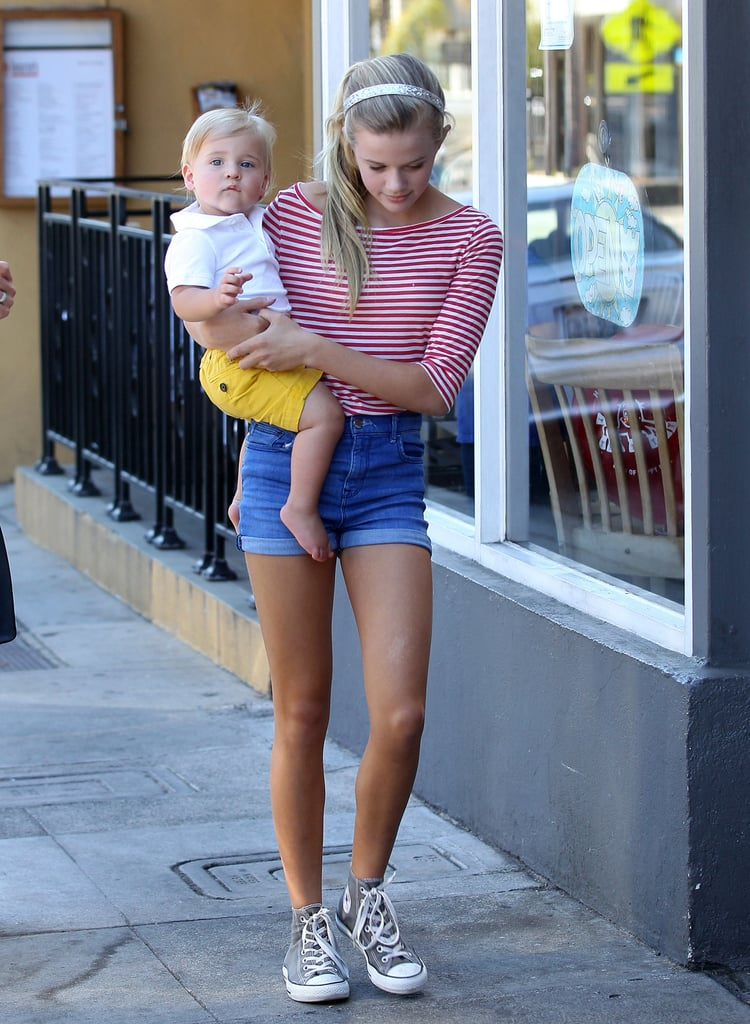 Ava Phillippe carried her baby brother, Tennessee Toth.