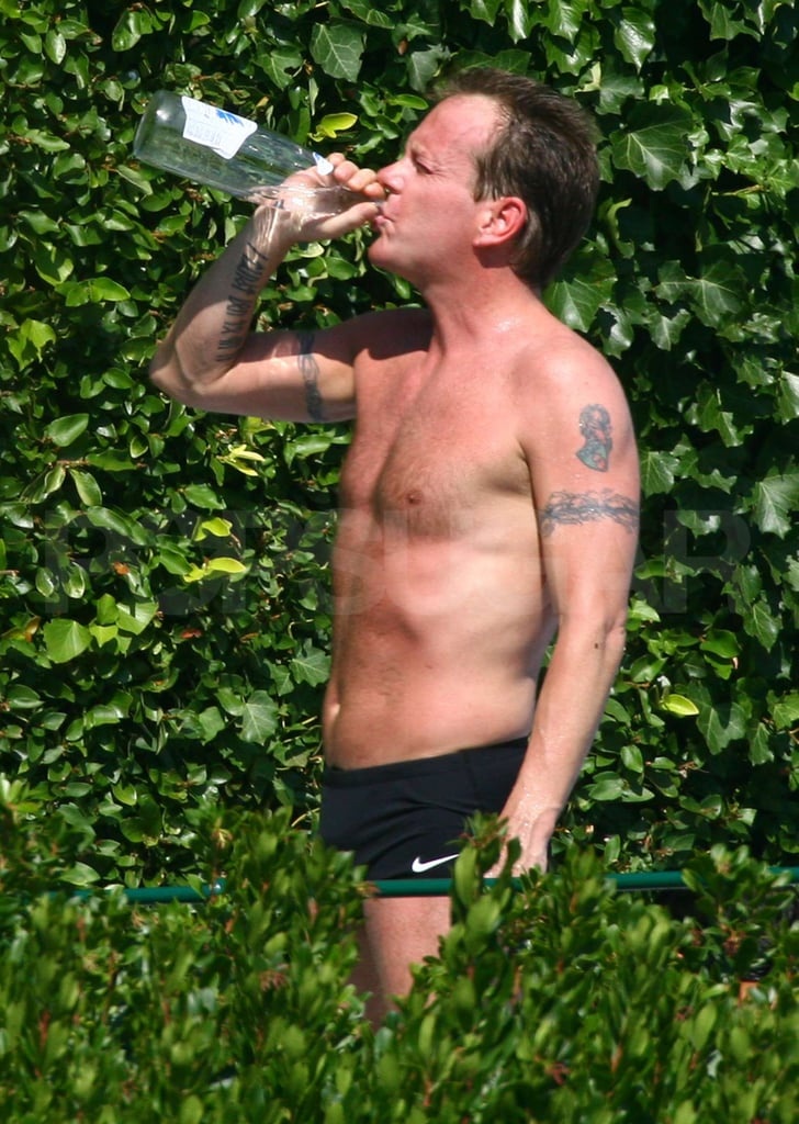 Pictures of Shirtless Kiefer Sutherland