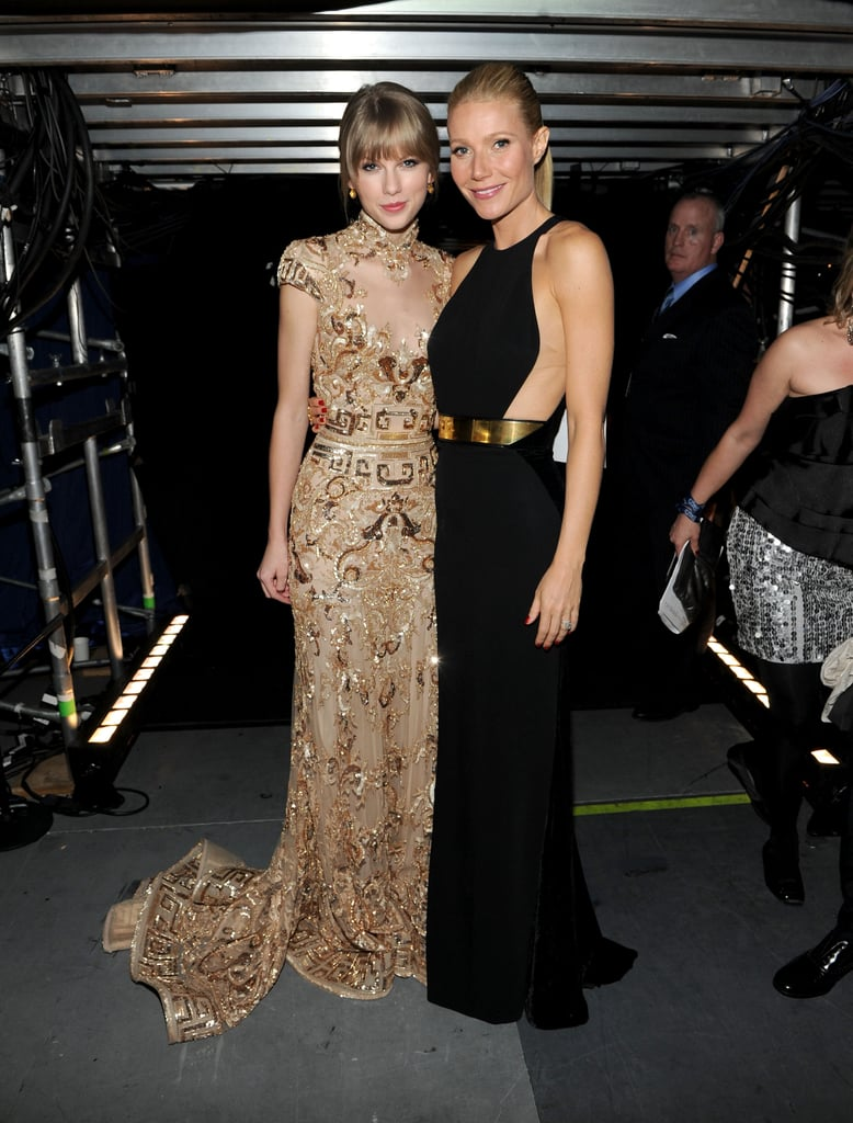 Taylor Swift and Gwyneth Paltrow linked up backstage at the 2012 Grammys.