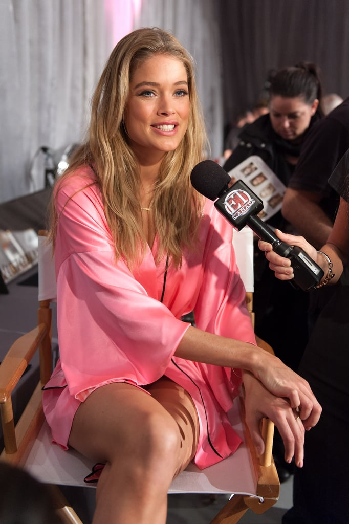 Doutzen Kroes was interviewed before the show.